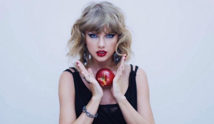 Odpowiedz na jedno pytanie i dowiedz się, którą piosenkę Taylor Swift musisz posłuchać!