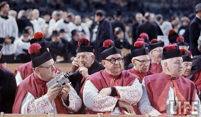 Jaką godność w hierarchii kościelnej powinieneś piastować?