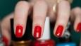 Na jaki kolor powinnaś pomalować sobie paznokcie?