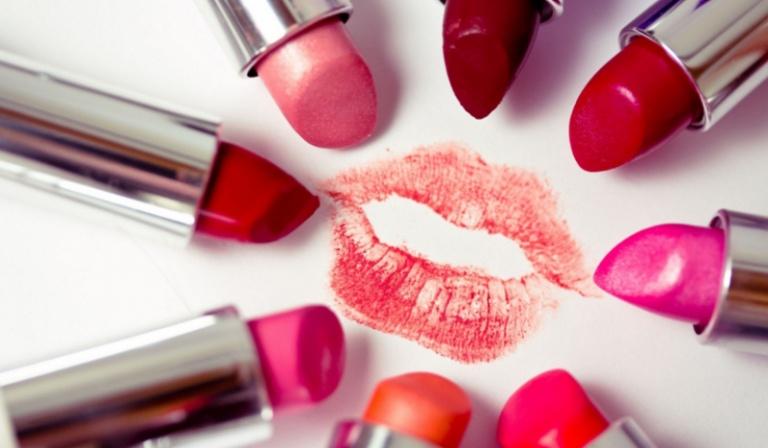 Który kolor szminki lubisz najbardziej?