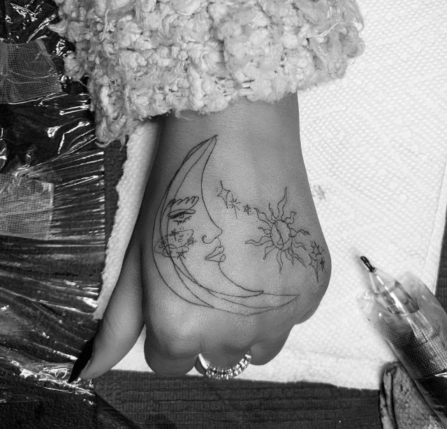 Czy Ty Też Zrobiłbyś Sobie Tatuaż Taki Jak Ta Gwiazda
