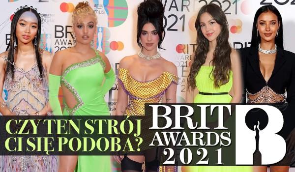BRIT Awards 2021: Czy ten strój Ci się podoba?